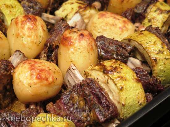 """Говяжьи рёбрышки, запечённые с картофелем и кабачком. И """"сказ"""" о бараньей ножке..."""