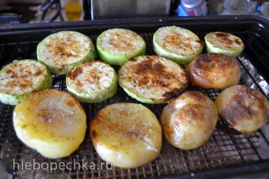 Кабачки и картофель, запеченные на купольном гриле, с солью «Костерок»