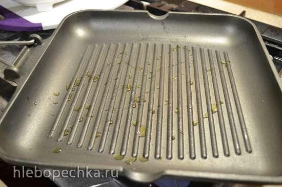 Стейки, запеченные на сковороде-гриль на плите