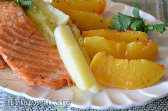 Форель с персиками (в пароварке)