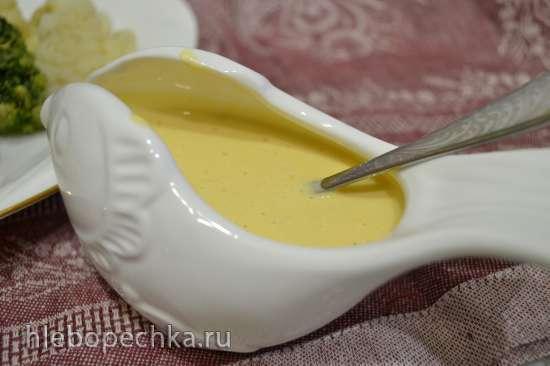 Нельма паровая с соусом из морошки