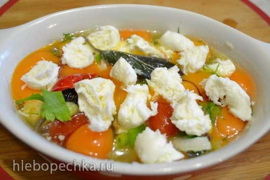 Запеканка из перепелиных яиц с овощами и сыром фета в купольном электрогриле