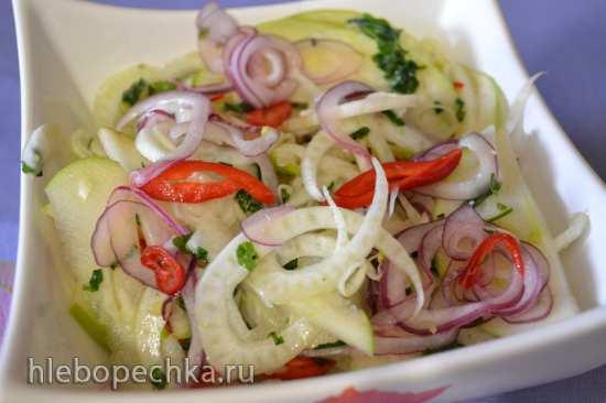 Салат из фенхеля с зеленым яблоком