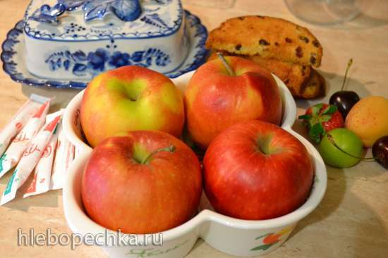Запеченные яблоки с фруктами, на сухариках (в духовке)