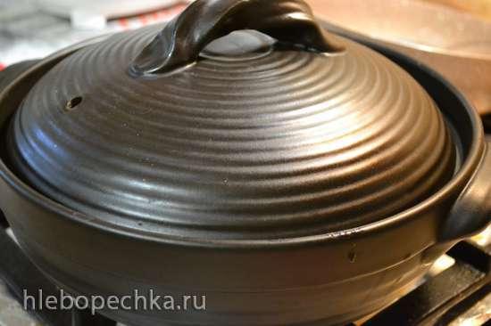 Постный борщ с грибами, восстановленный (в керамике на плите)