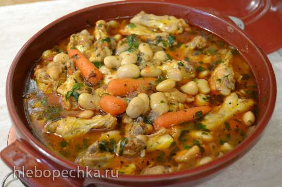 Куриное плечо, тушеное с овощами и фасолью