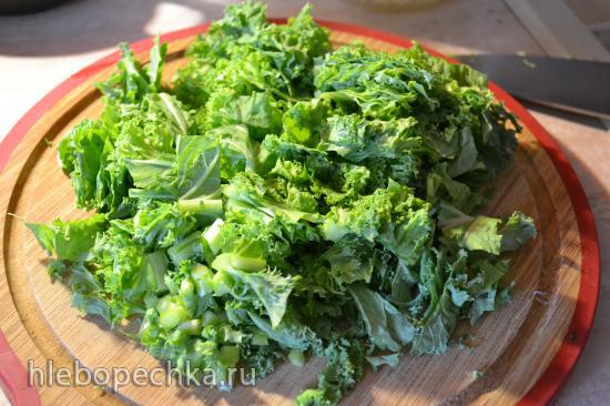 Смузи зеленый с капустой кейл, простоквашей и спирулиной