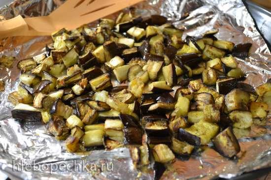 Салат картофельный с запеченными баклажанами и маслинами (вторая степень поста)