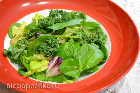Салат листовой с мягким сыром под персиковым соусом (для вегетарианцев)