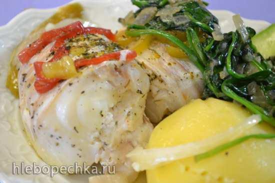 Треска припущенная  в белом вине и отварной картофель под шпинатом (два в одном) в скороварке Oursson