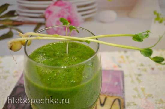 Смузи «молодость» со шпинатом и зелеными ростками