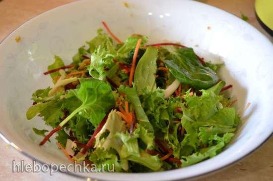 Оладьи «мультивитаминные» безглютеновые, с рикоттой, салатом МИКС и жмыхом рукколы