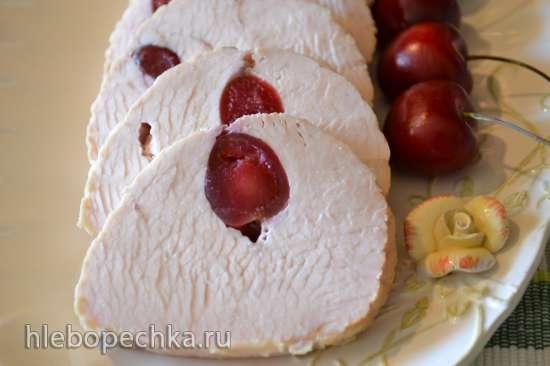 Свиная корейка и филе индейки с черешней, маринованные в творожной сыворотке (мультиварка Marta MT-1989)