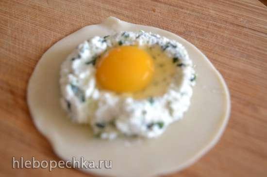 Равиоли с творогом, шпинатом и перепелиными яйцами