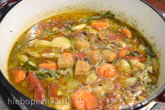 Баранина тушеная с фасолью «лима», вялеными помидорами и сидром