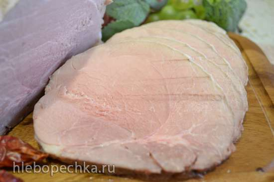 Окорок свиной, маринованный в сидре и запеченный в духовке при низкой температуре