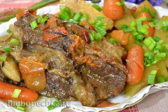 Грудинка говяжья на хрящиках, с овощами, тушеная (медленноварка Russel Hobbs (3,5л)