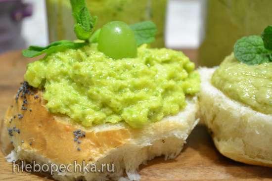 Зеленые пасты из зелени с добавками  овощей и фруктов