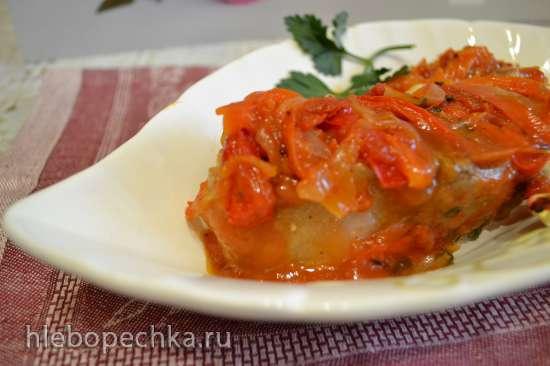 Нельма под овощами, запеченная в духовке
