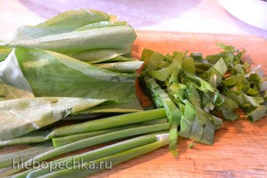 Салат из свежей черемши с картофелем и редисом