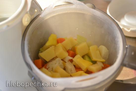 Суп-пюре овощной с обжаренным картофелем и жареной барабулькой (блендер-пароварка)