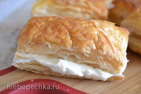 Пирожное «Наполеон» хрустящее, с творожным кремом