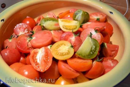 Помидоры дольками, в овощной крошке, консервированные
