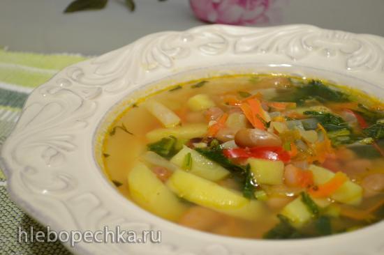 Суп из бобовых со свежей репой и ботвой репы (в кастрюле с толстым дном без воды)
