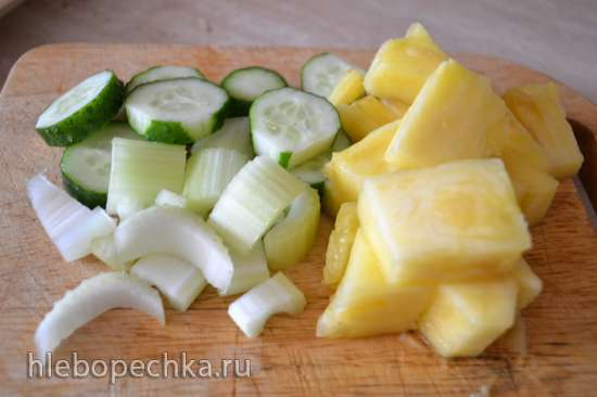 Смузи огуречно-сельдереевый с ананасом