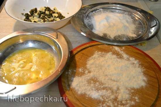 Зразы из индейки с огородными травами, сыром дор-блю, запеченные в духовке