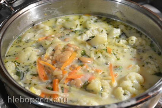 Цветная капуста с фасолью в сливочном соусе из кокосового молока (для вегетарианцев)