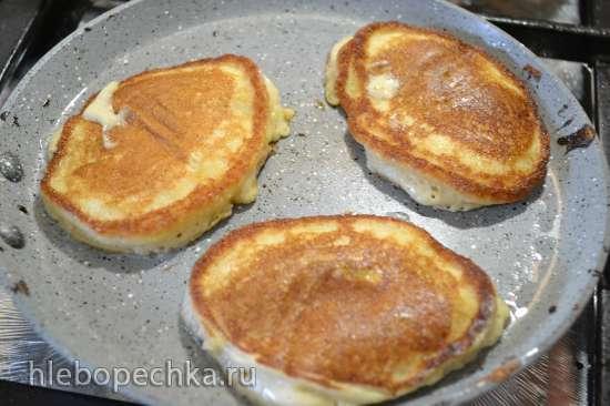 Оладушки овсяно-банановые, с творогом