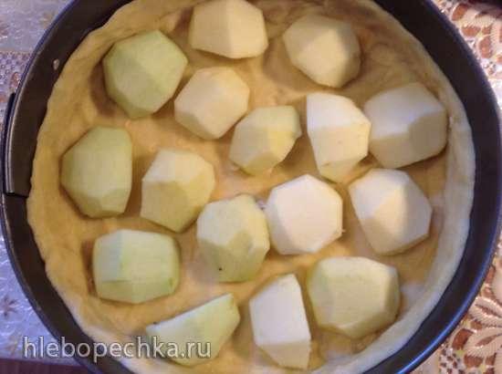 Яблочный пирог с абрикосовым джемом (Apfelkuchen mit Aprikosenkonfiture)