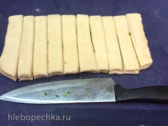Китайские паровые булочки с луком и жгучим перцем