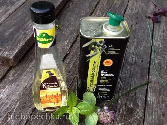 Маринад для восстановления сушеных (вяленых) помидоров и салат Капрезе с фиолетовым базиликом и вялеными помидорами
