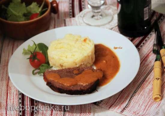 Запеченая говядина  с картофельно-пастернаковым гарниром (Rinderschmorbraten mit Kartoffel-Pastinaken Stampf)