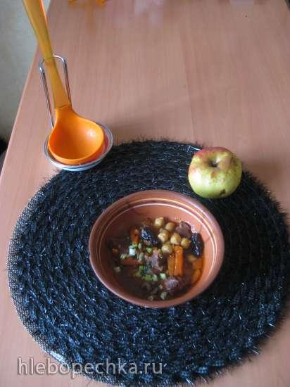 Тажин с бараниной, нутом и черносливом
