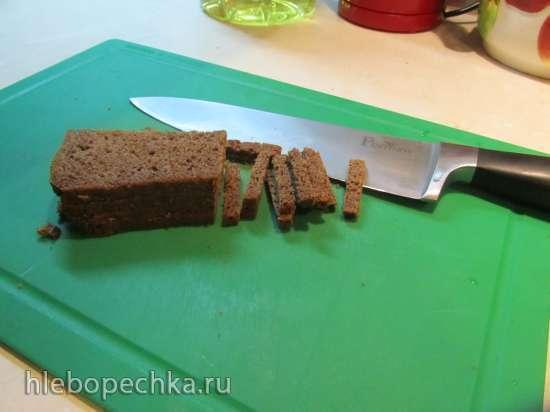 Сухарики из черного хлеба с чесноком