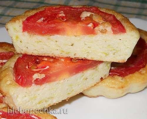 Медальки творожно-кабачковые с помидором