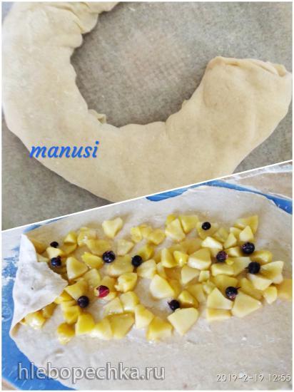 Яблочный пирог на творожном тесте (мультиварка Toshiba RS-18NMFR)