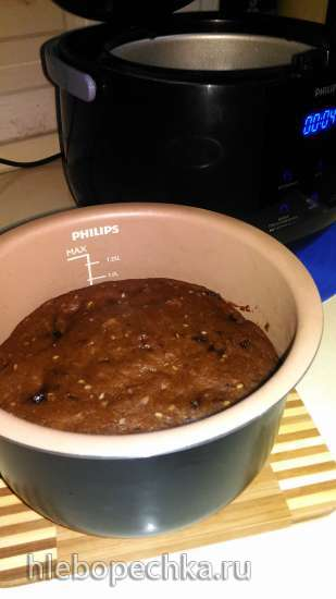Чайно-сливовый пирог в мультиварке Philips HD3060