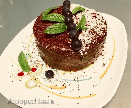 Блинный торт из шпината, зеленой гречки и с кремом из авокадо «Зелень в шоколаде»