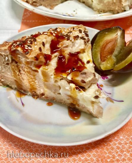 Пирог из лаваша с творогом, грушами и сливой