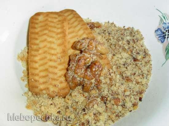 Клубнично-творожный десерт на бисквитно-ореховой основе