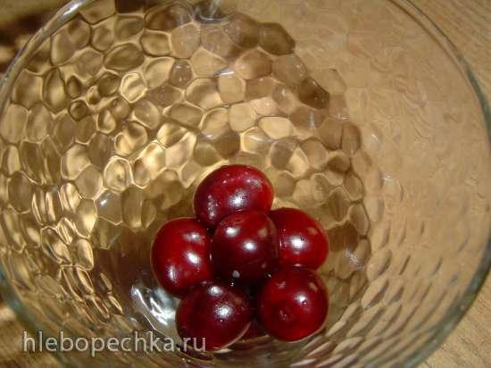 Вишнево-кефирный десерт с шоколадом и орехами