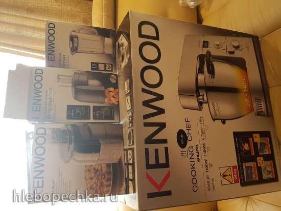 Продам кухонную машину Kenwood KM084 (с индукцией) с насадками