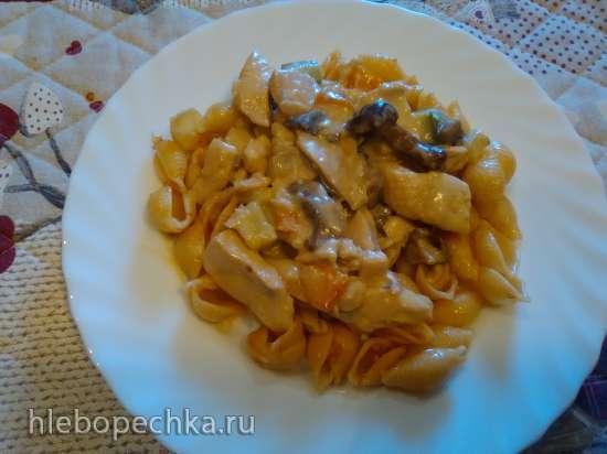 Курица с грибами и овощами в сливочном соусе