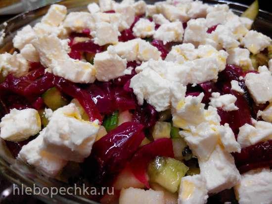Салат с кабачком, киви, брынзой