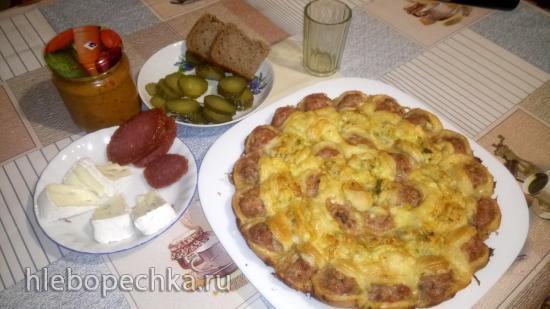 Пирог из слоеного теста  с фаршем  и сыром