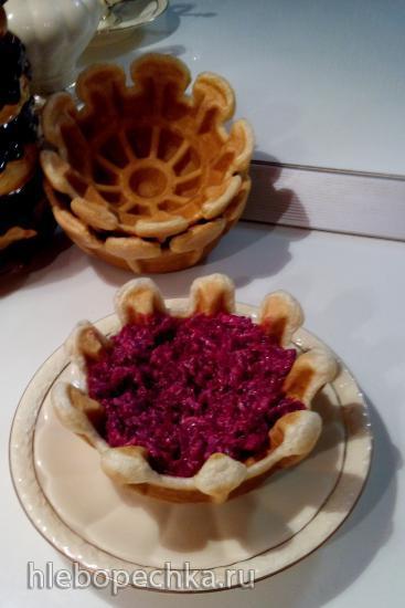 Тарталетка вафельная с рыбно-овощной начинкой из тарталетницы Steba